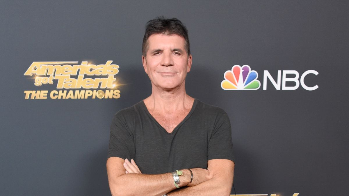 Simon Cowell Speaks Out After Breaking Back Cnn
