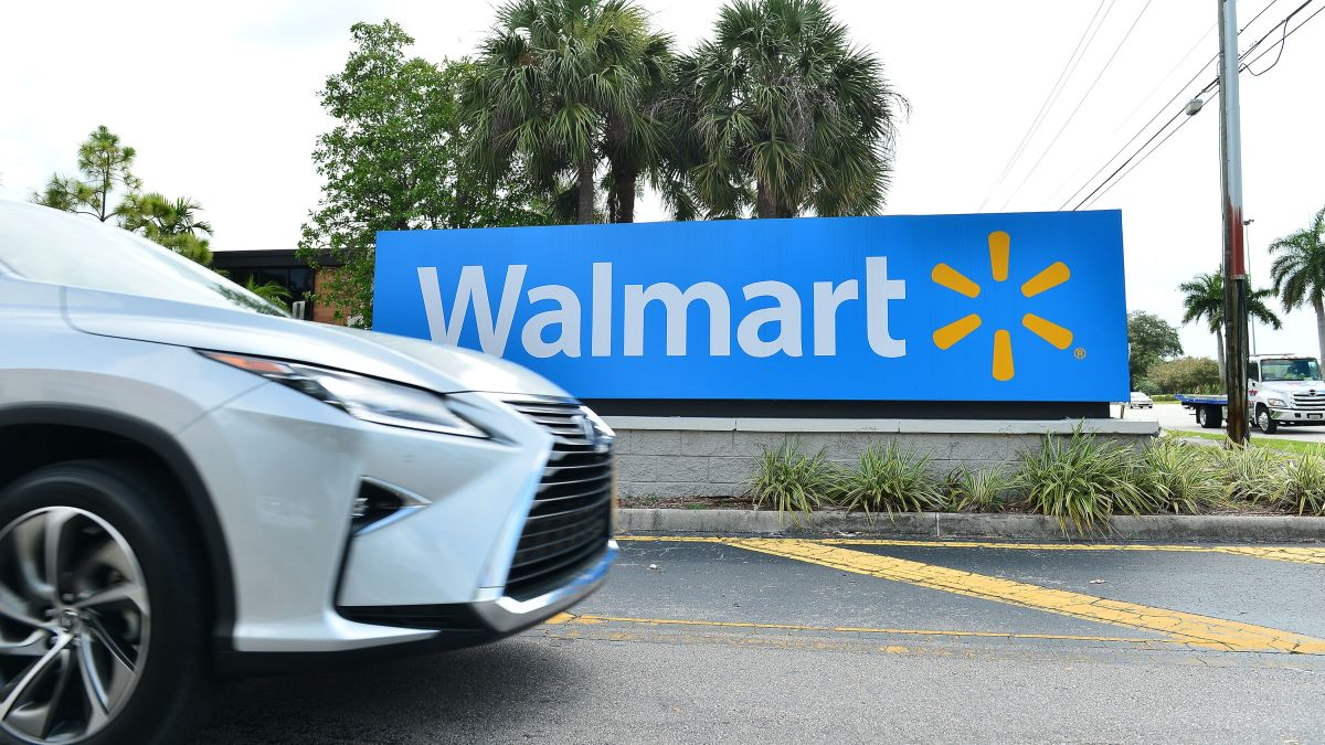 Walmart Is Converting Its Parking Lots Into Free Drive In Theaters Cnn