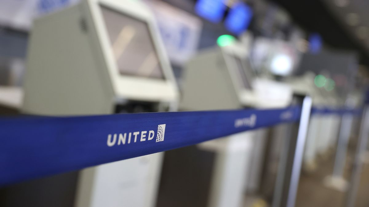 United Airlines Is Getting Rid Of Most Us Change Fees Forever Cnn,Pinterest Diy Scary Halloween Decorations