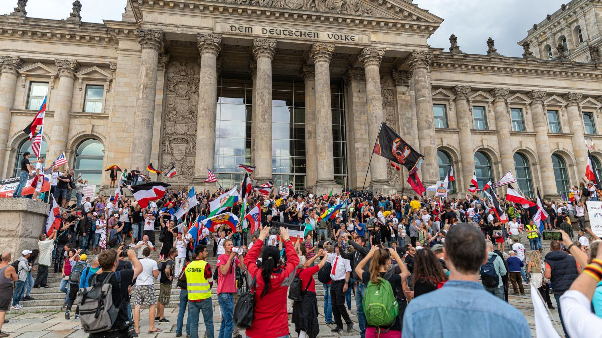 Germany's virus response won plaudits. But protests over vaccines and masks  show it's a victim of its own success - CNN