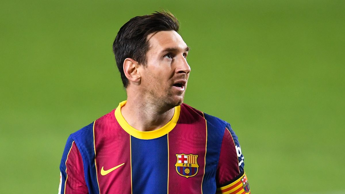 Lionel Messi Says He Only Wanted To Make Fc Barcelona Better And Stronger After Failed Attempt To Leave The Club Cnn