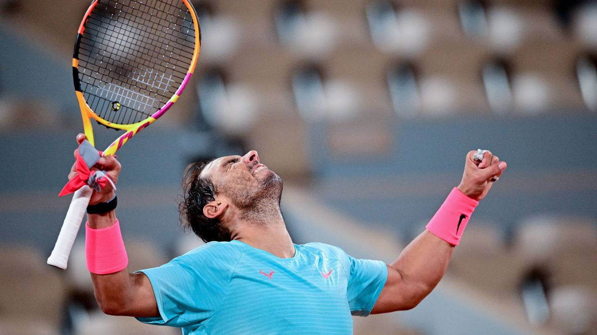Rafael Nadal Battles Cold Weather To 01 26am Victory At French Open Cnn