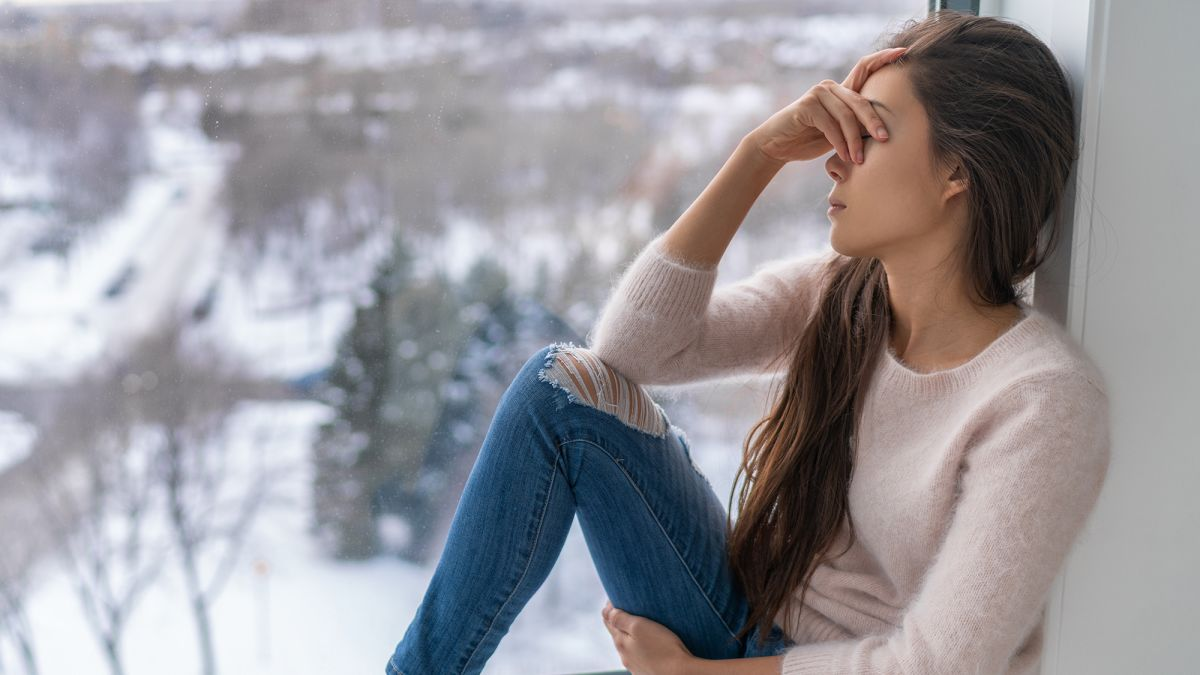 Seasonal affective disorder: How to get through the pandemic's winter  months - CNN
