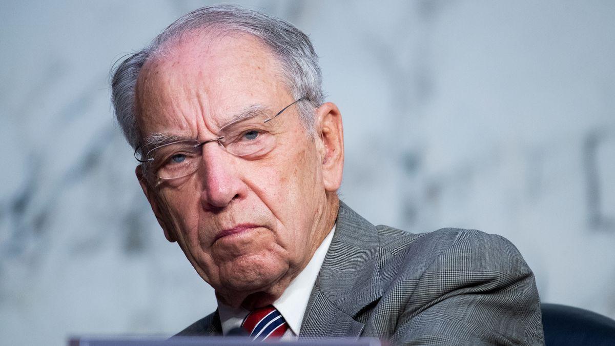 Chuck Grassley returns to Senate office after testing positive for Covid-19  - CNNPolitics