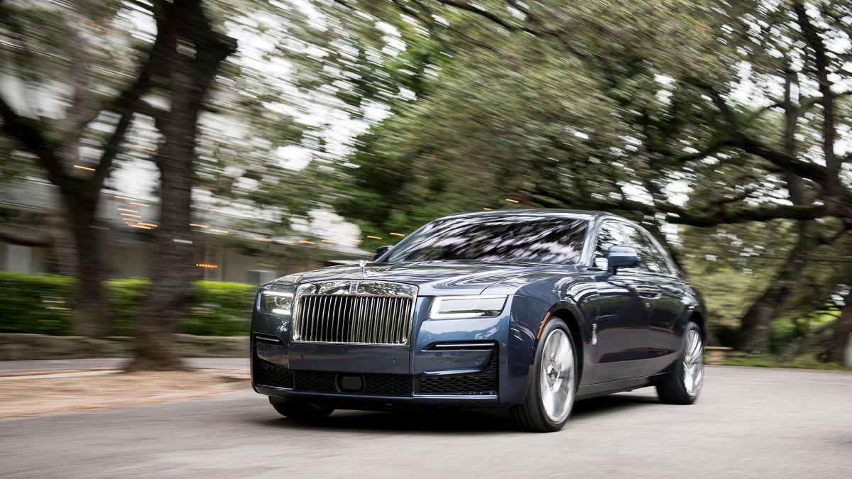Rolls Royce S New Ghost Still Plenty Posh But More Laid Back Cnn