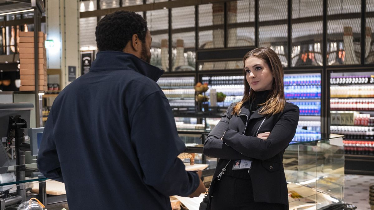 Locked Down' review: Anne Hathaway and Chiwetel Ejiofor star in a  quarantine romantic heist for the Covid time capsule - CNN