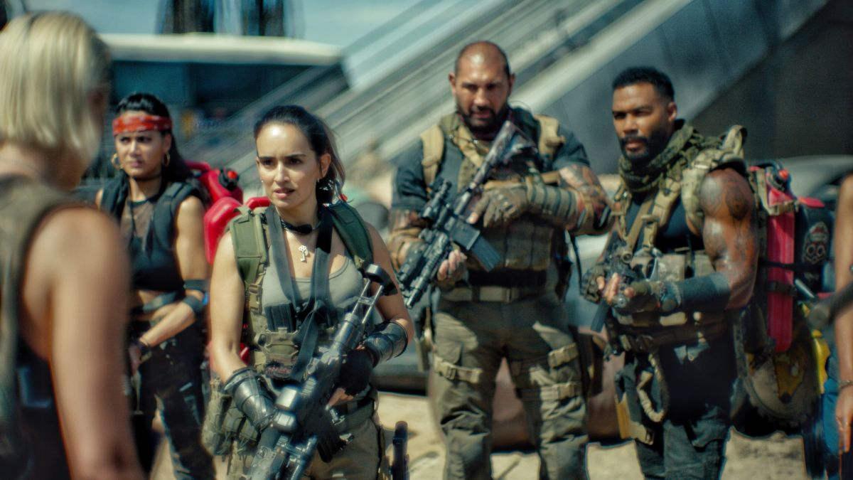 Army of the Dead' review: Zack Snyder cuts loose (and too long) on a  zombie-heist combo - CNN