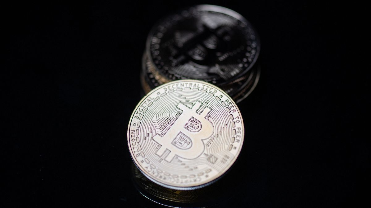 aš myliu bitcoin)