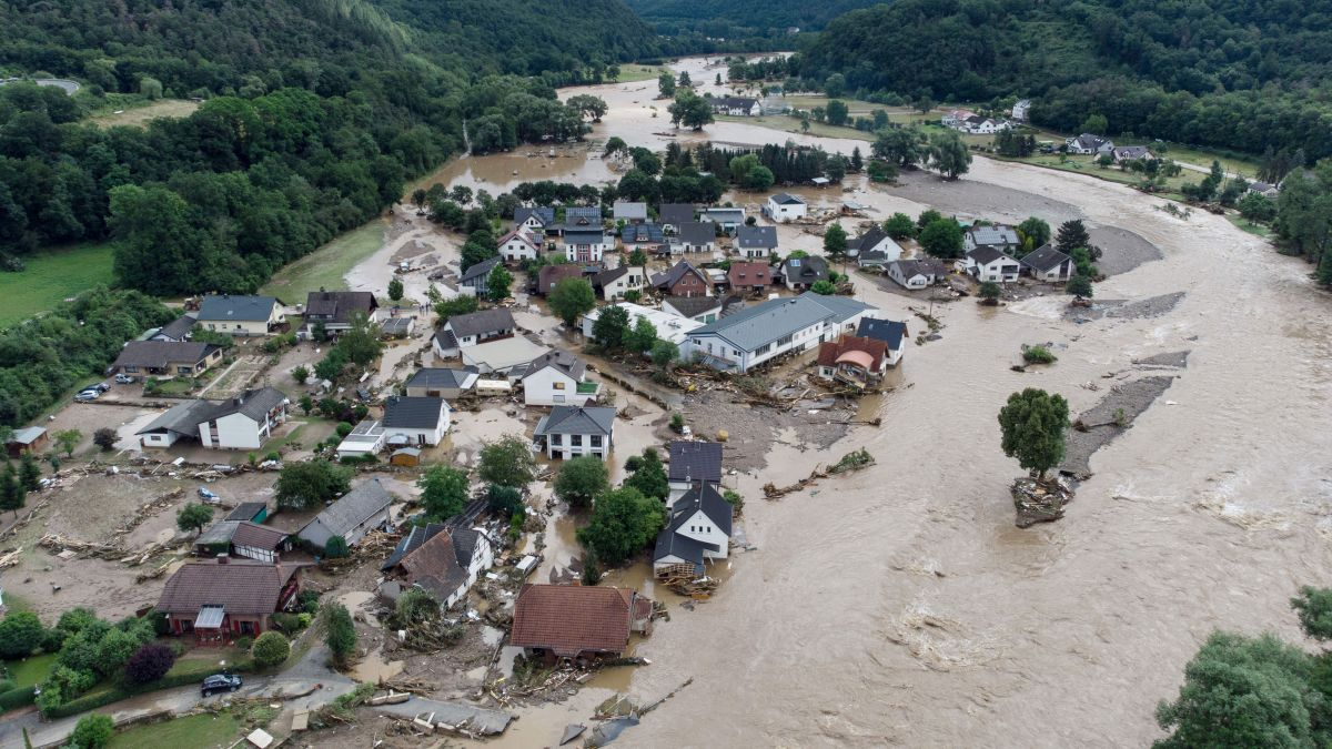 Germany flooding: huge rescue effort in Rhineland-Palatinate as deadly  floods also hit Belgium, Netherlands, Luxembourg - CNN