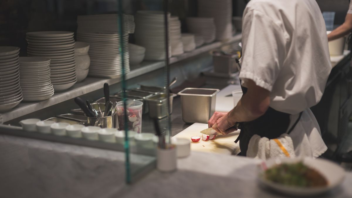 cnn.com - By Danielle Wiener-Bronner, CNN Business  - People are just walking out in the middle of shifts': What it's like to work in a restaurant right now