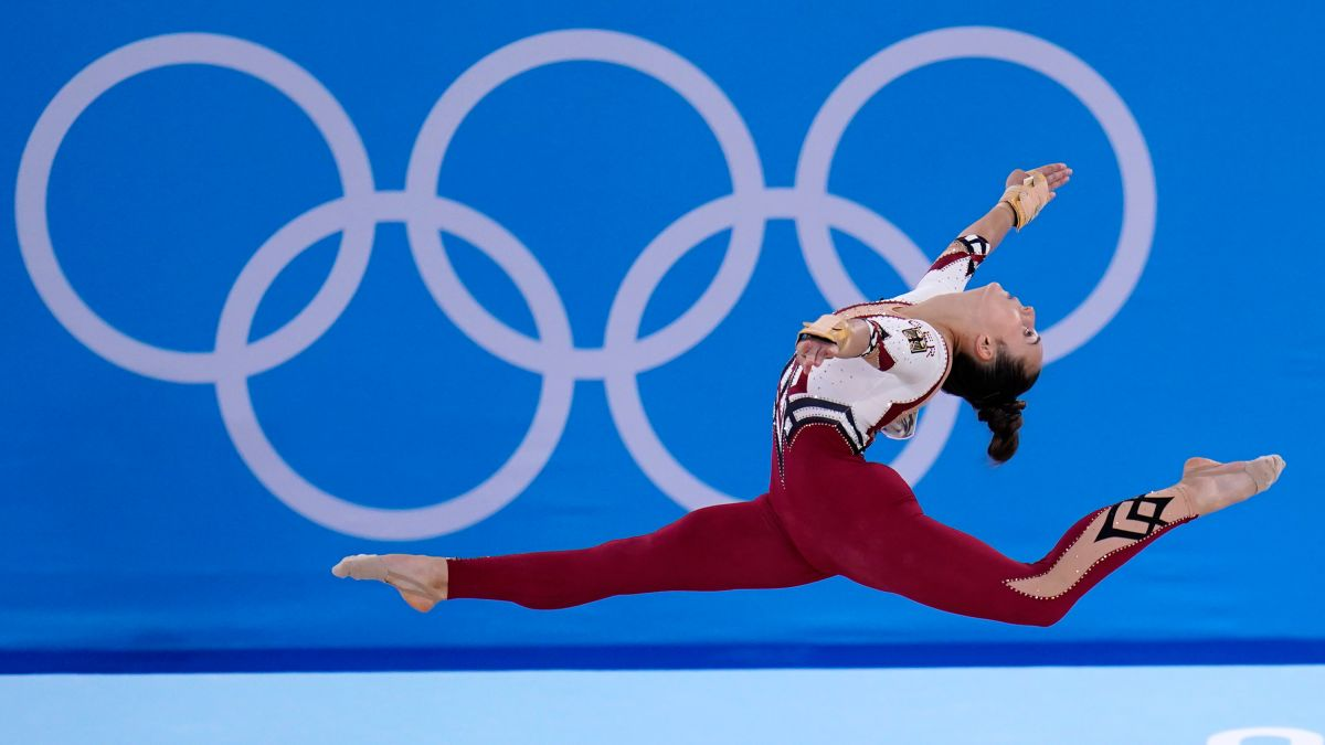 Germany's gymnasts wear body-covering unitards, rejecting 'sexualization' of sport - CNN