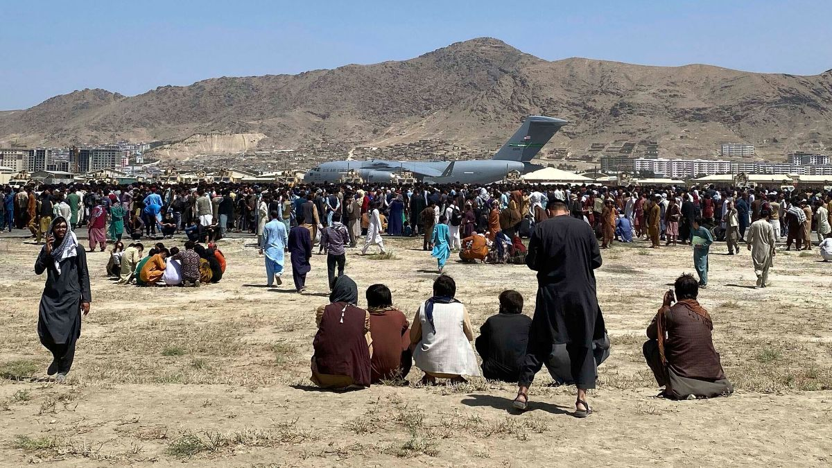 Kabul's airport is the epicenter of a desperate and deadly scramble to  escape the Taliban - CNN