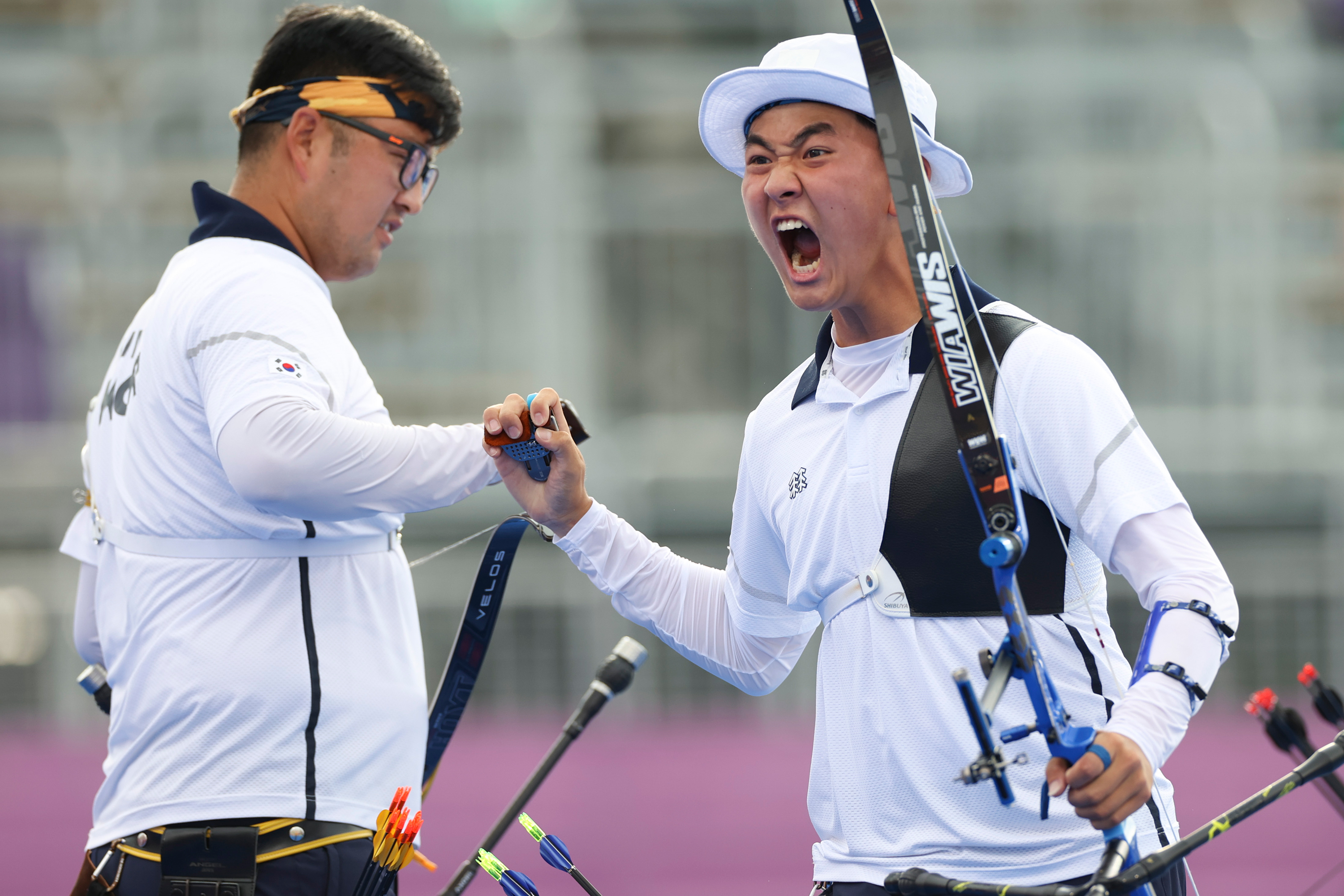 South Korea's Kim Je-deok celebrates winning the gold medal in the archery team competition on July 26.