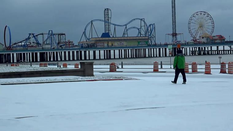 Snow in Houston 04cfc9b5-cbe6-4b2e-8075-cae422897c3f