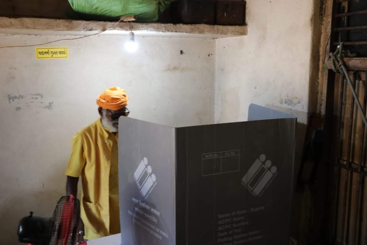 """""""There should be 100 percent voting,"""" Darshandas said after leaving the polling booth."""