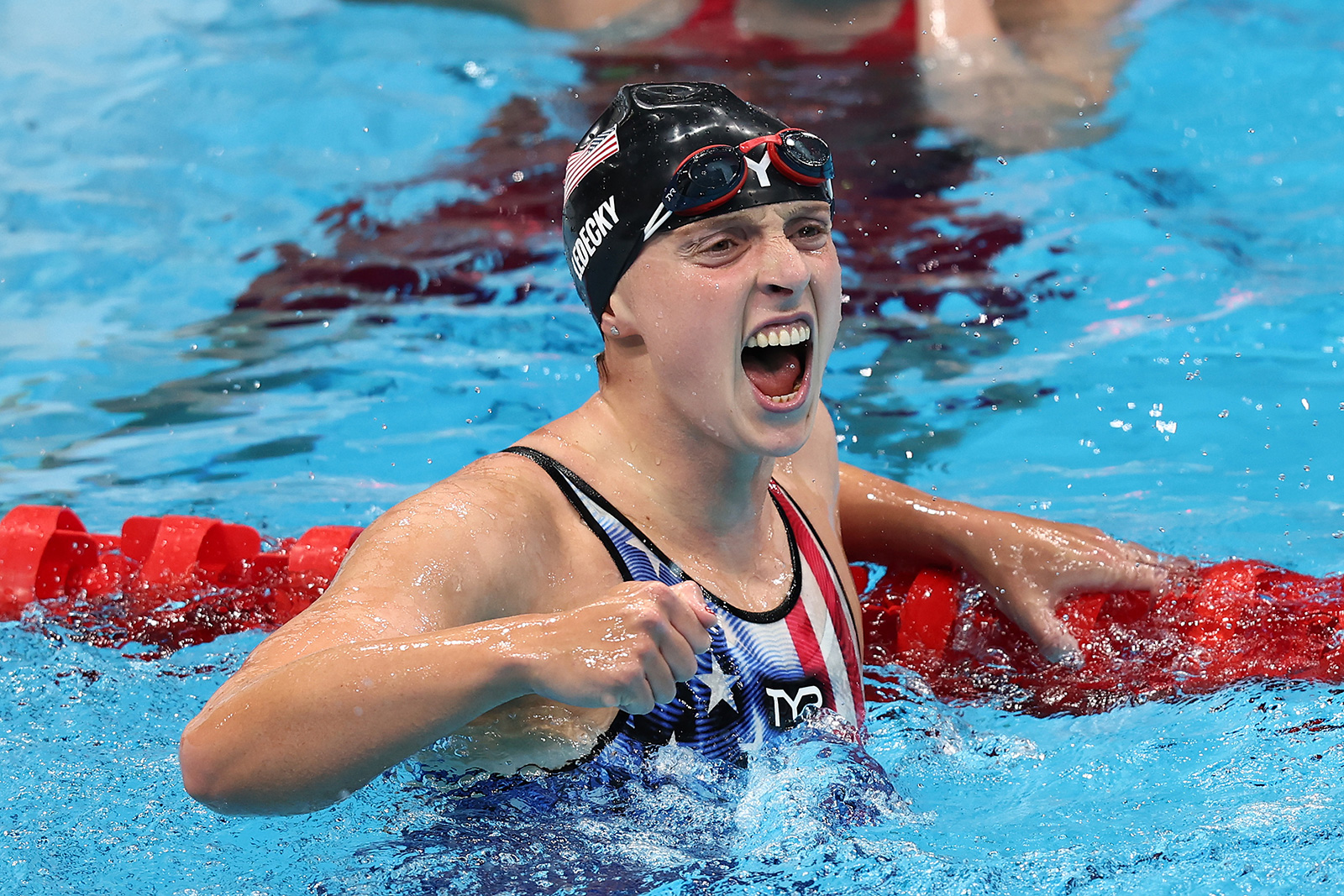 American great Katie Ledecky crushed the first-ever women's 1500m freestyle final to win her first gold medal of Tokyo 2020. She was the favorite to win.