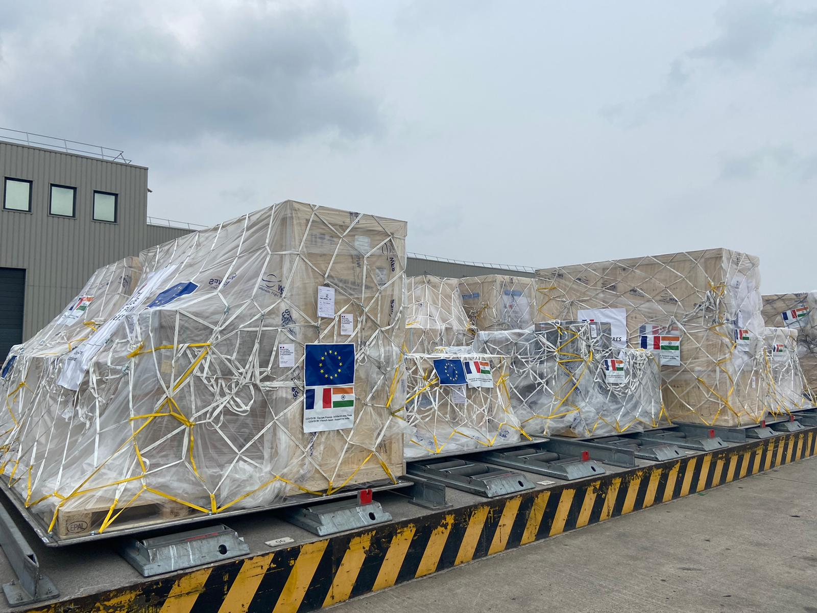 The aid shipment from France to India left from Paris on Saturday.