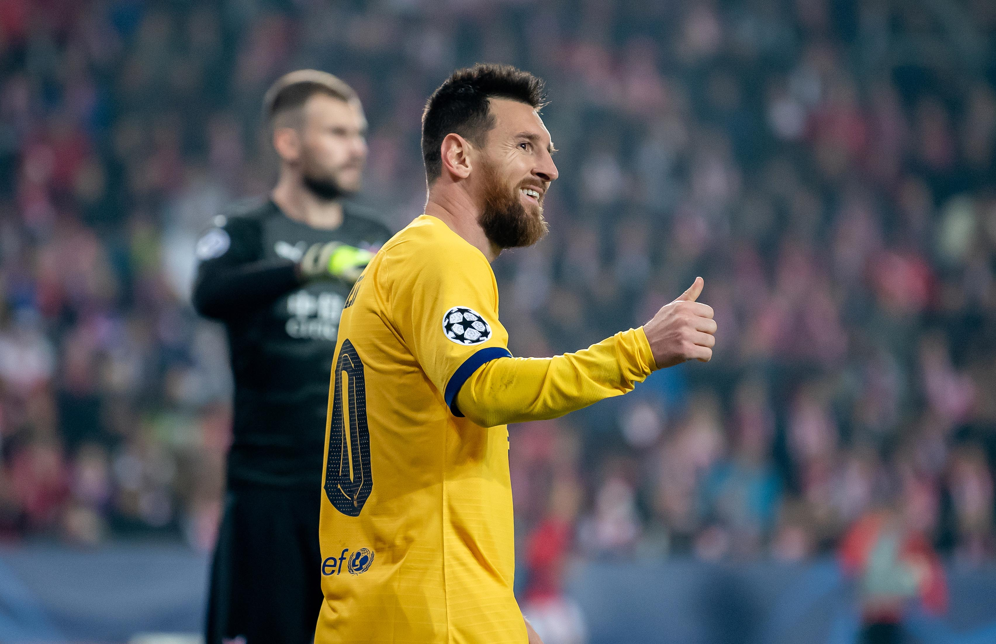Lionel Messi scored as Barcelona edged past Slavia Prague.