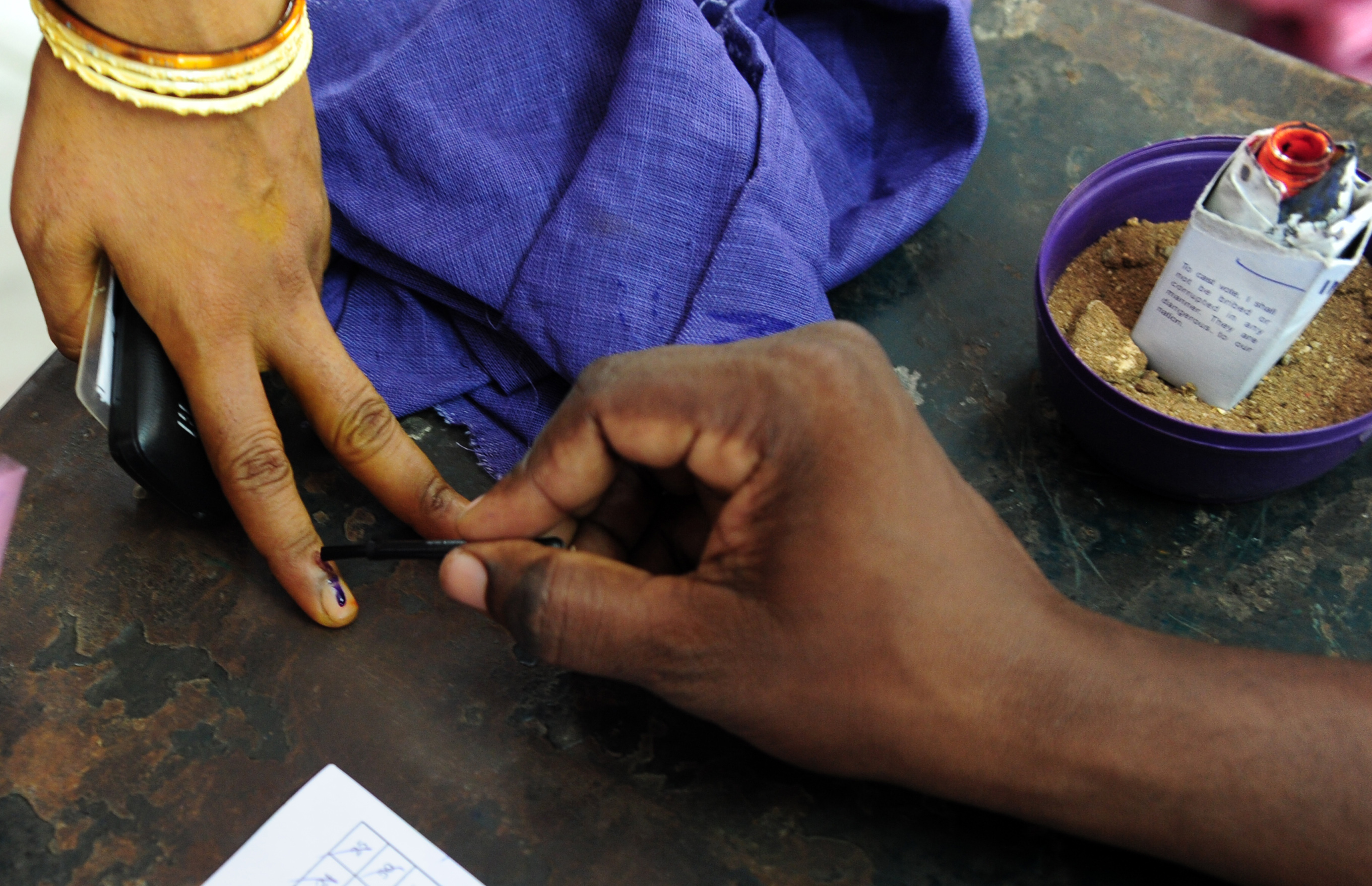 India's Election Commission recommended that fair elections were not viable in the Tamil Nadu 8-Vellore parliamentary constituency.