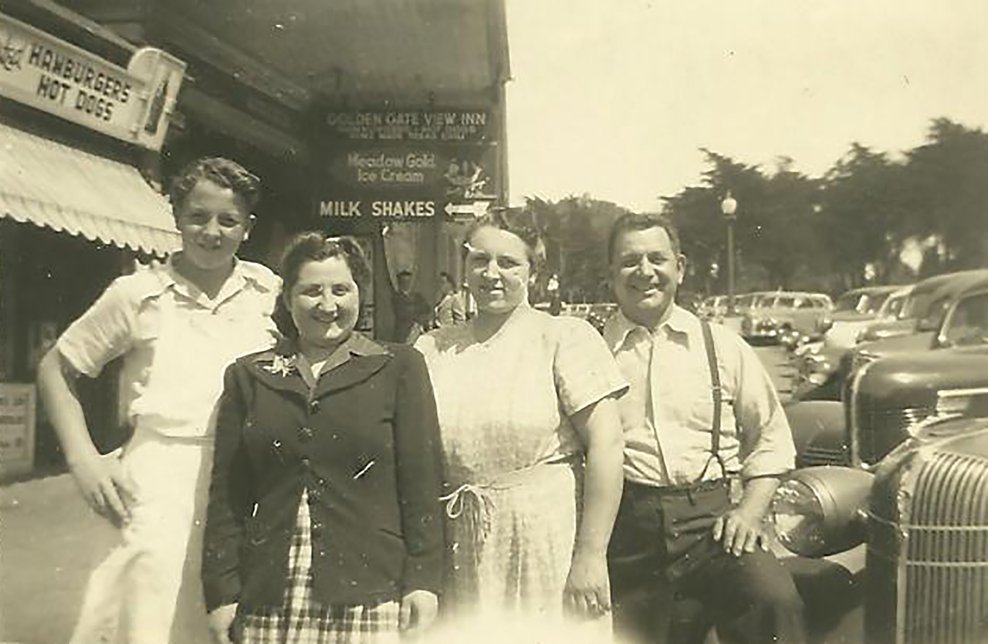 Pictured from left to right are Jim Hontalas, Rachel Lelchuk, Helen Hontalas and Louis Hontalas, outside Louis' Restaurant circa 1946.
