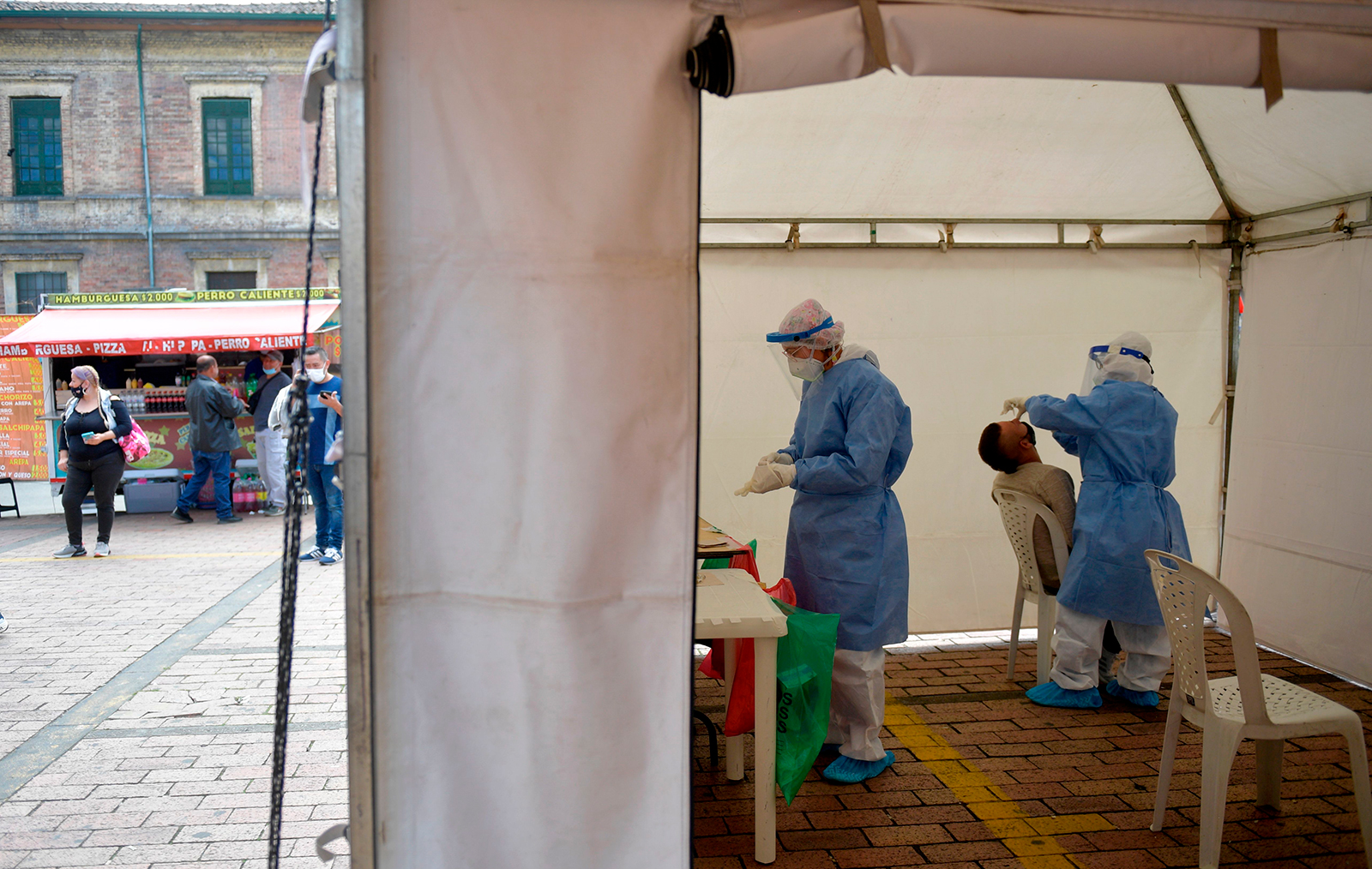 Health workers carry out Covid-19 coronavirus tests in Bogota, on July 8.