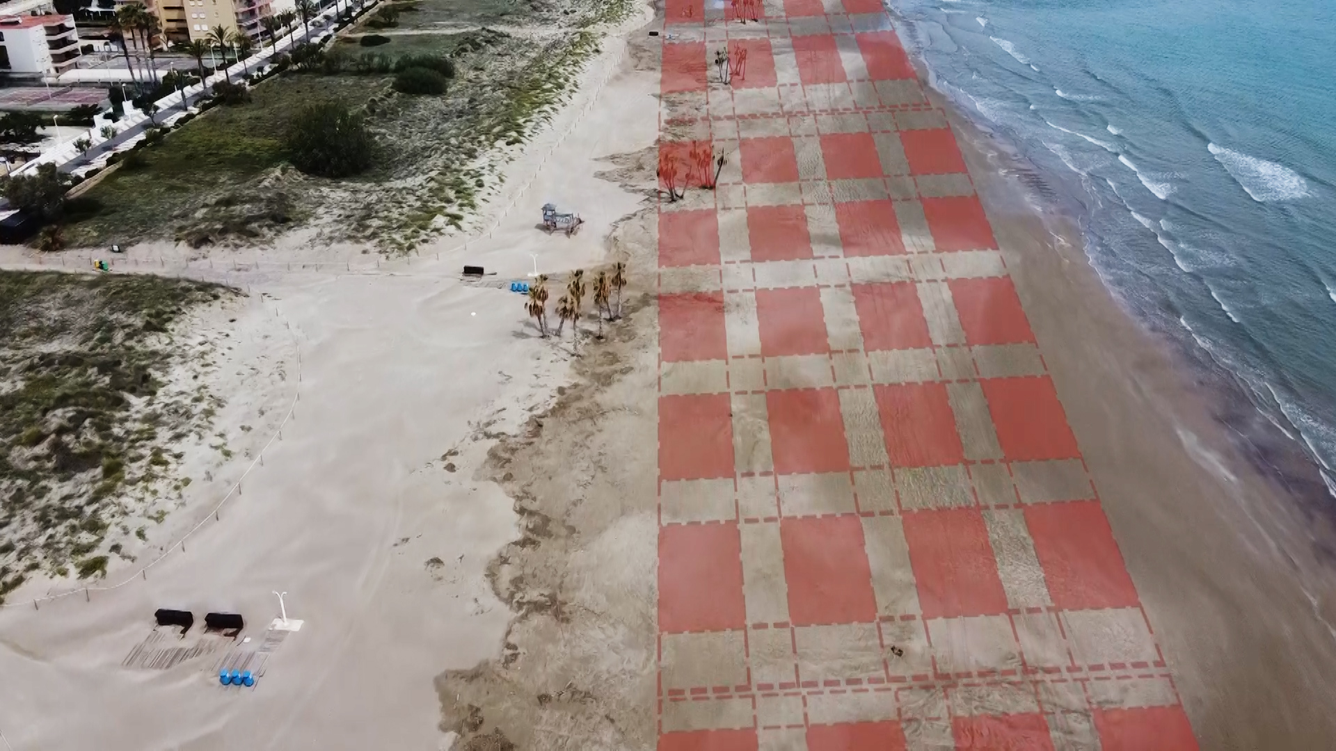 This rendering shows how authorities will spread out nets in Canet d'en Berenguer.