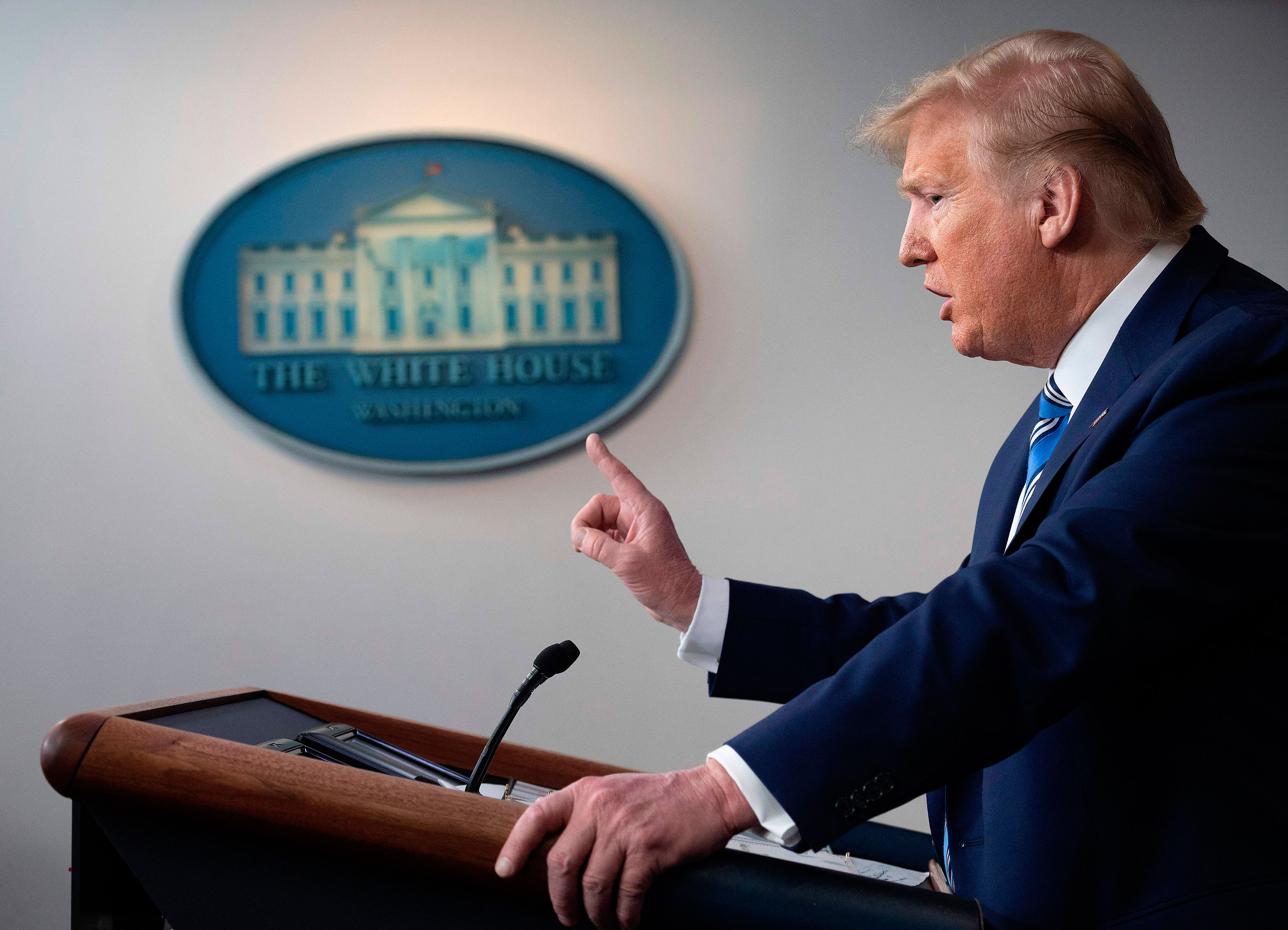 US President Donald Trump plans to use the Defense Production Act to help with the production of swabs needed to conduct coronavirus tests.