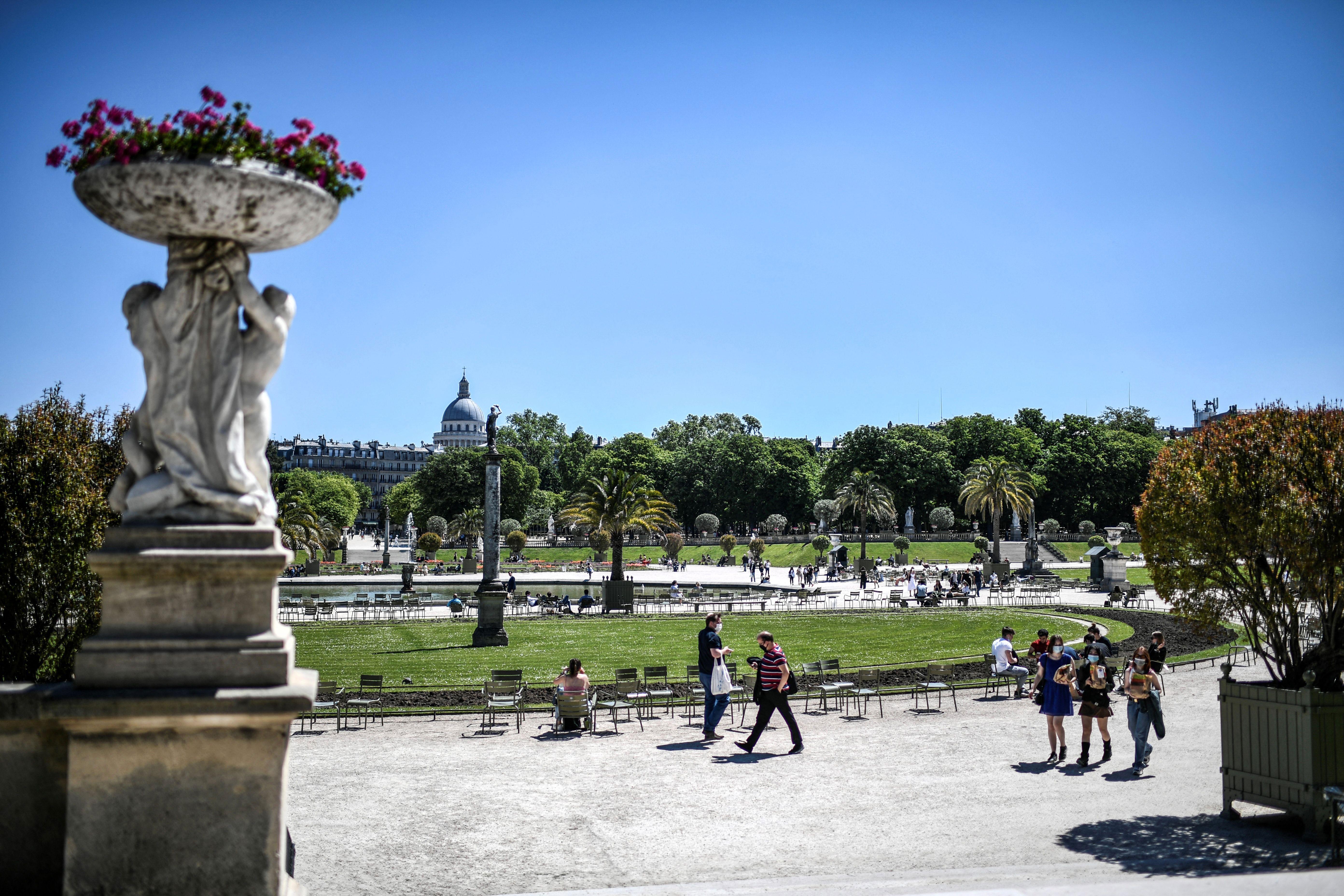 People visit the Luxembourg Garden in Paris on June 1.