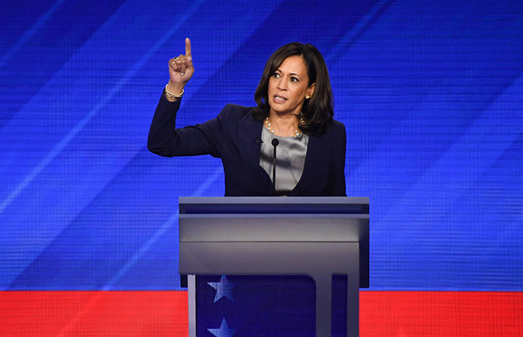 Harris likens Trump to the Wizard of Oz