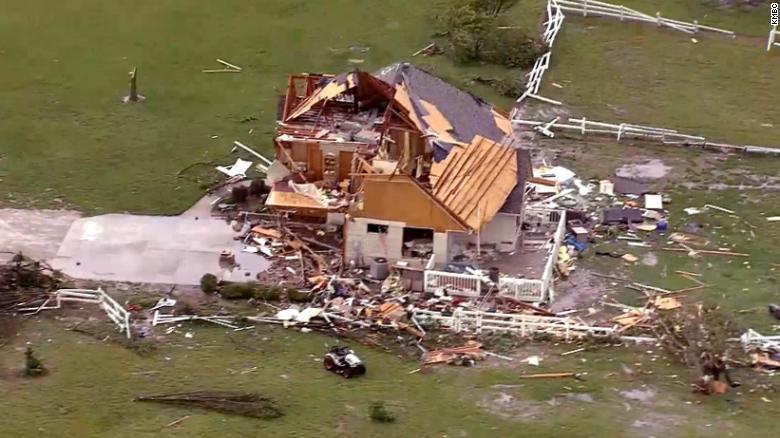 Tornado rips through Linwood, Kansas, and dozens of homes