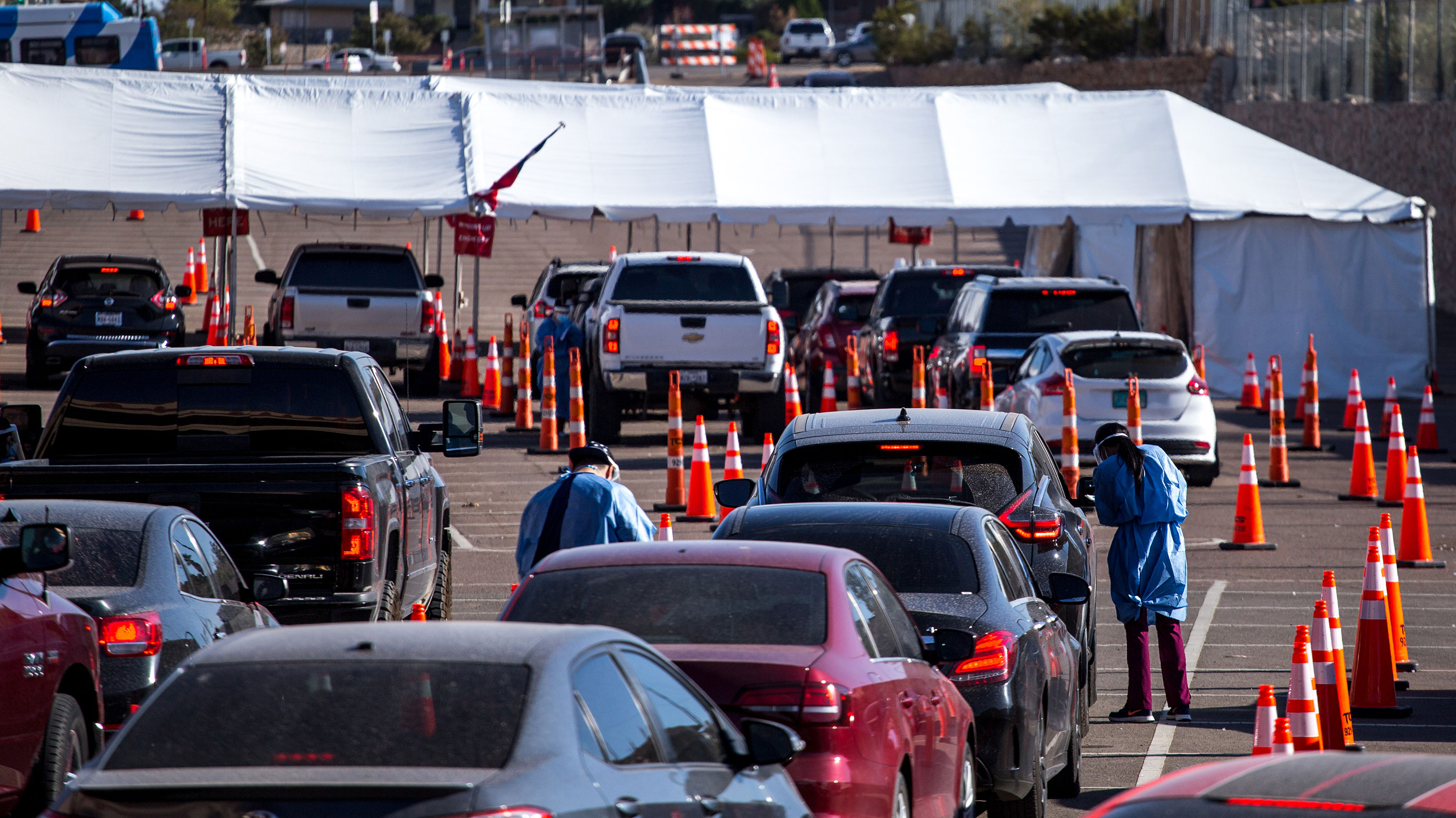 Medical workers register motorists at a Covid-19 drive-thru testing site in El Paso, Texas, on Monday, November 9.