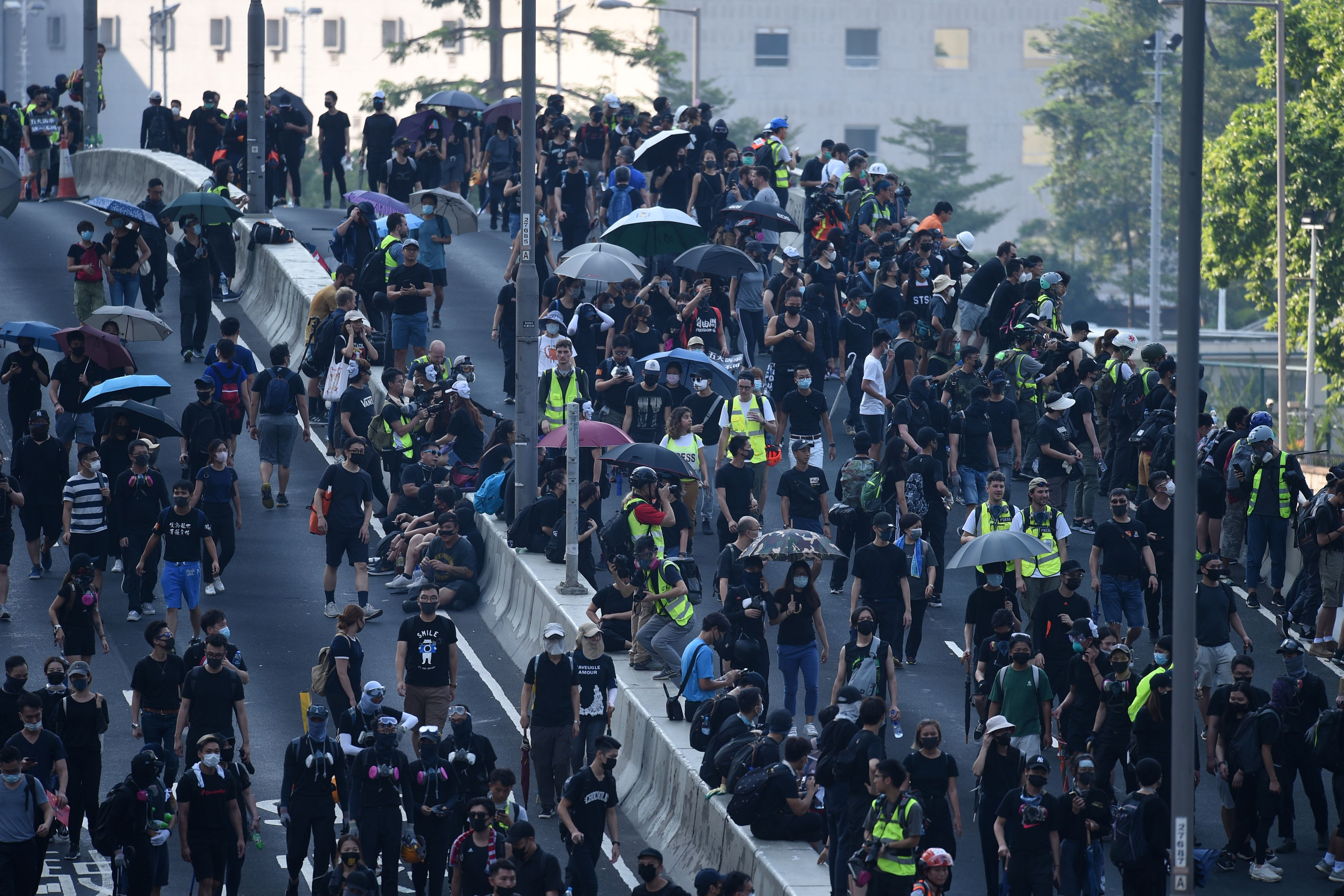 A Hong Kong man has been shot by police, says a police source