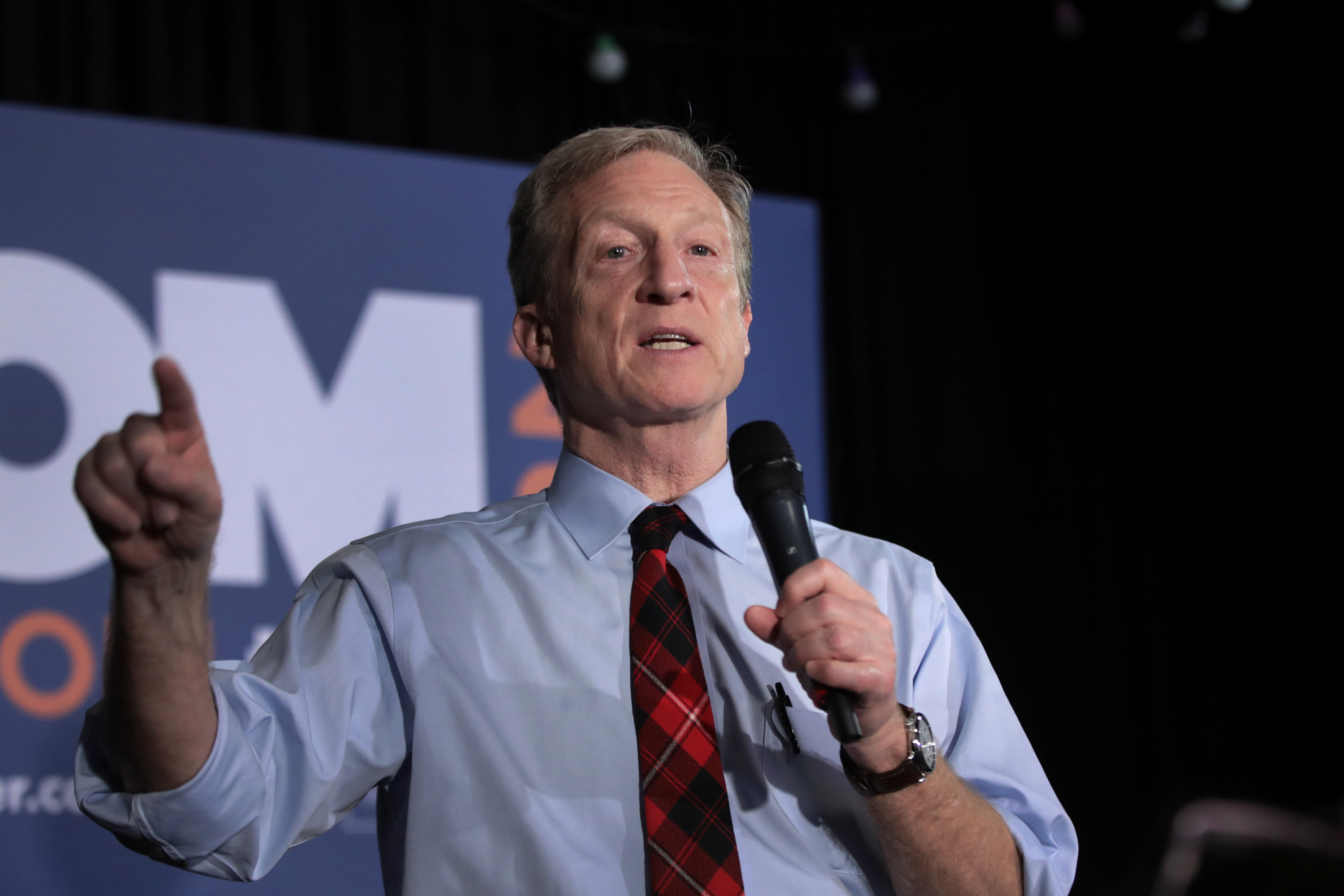 Tom Steyer speaks to guests during a campaign stop at Nacho Hippo on February 26 in Myrtle Beach, South Carolina.