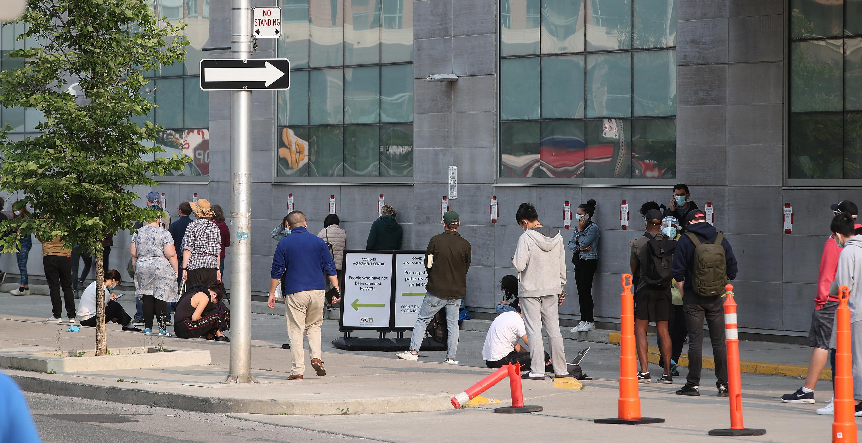People queue at a coronavirus testing station in Toronto onSeptember 15.