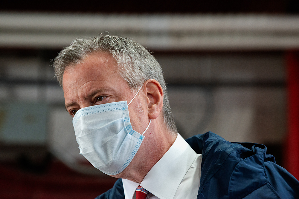 New York City Mayor Bill DeBlasio speaks to firefighters following the donation of meals on International Firefighters Day on May 4.