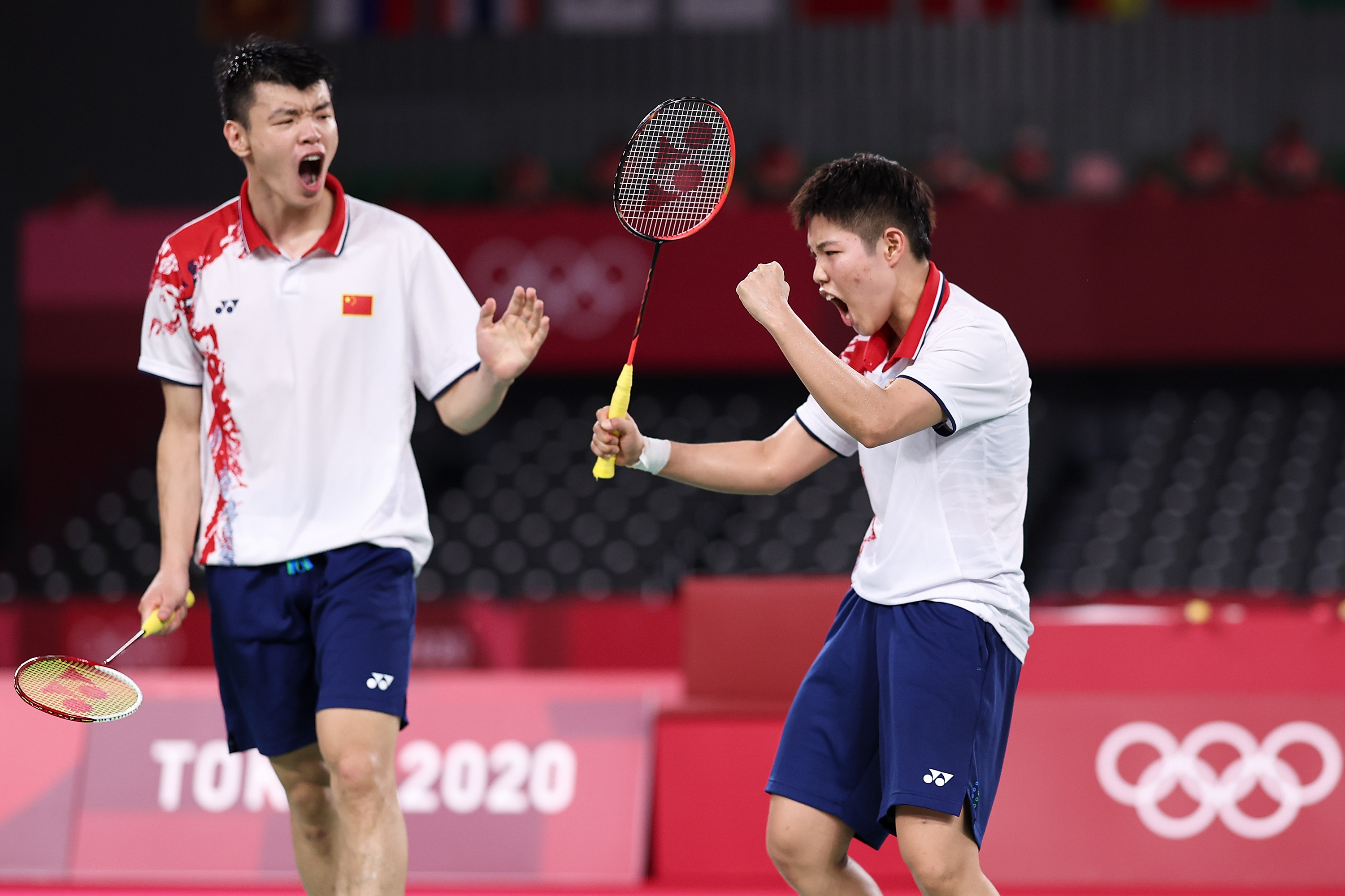 China lands record-extending gold in mixed doubles badminton