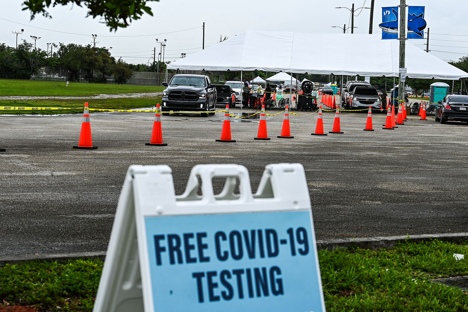 Cars line up for Covid-19 testing in Miami, on August 3.