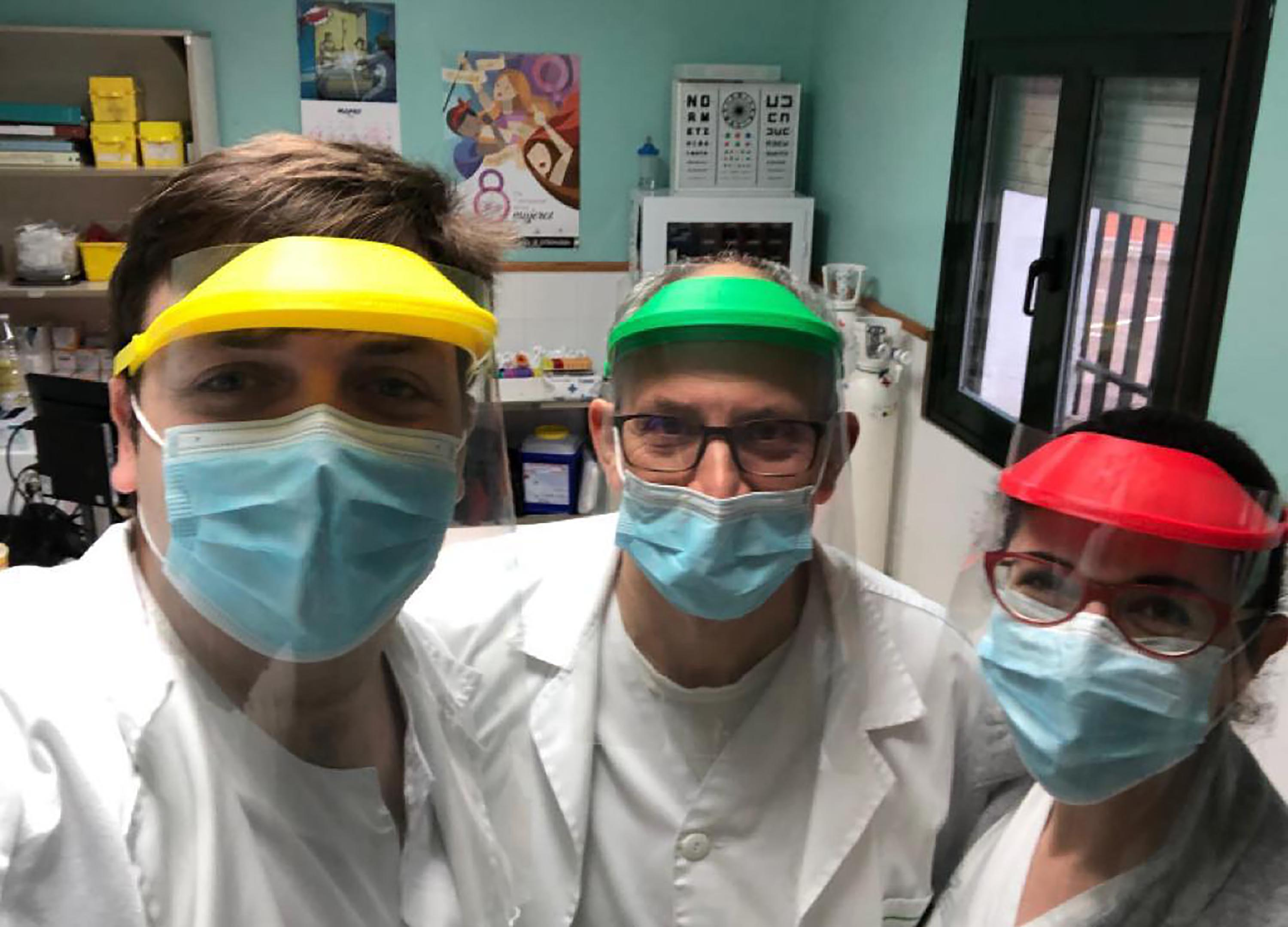Dr Carlos Hernandez (left) with two colleagues at the Badajoz University Hospital.