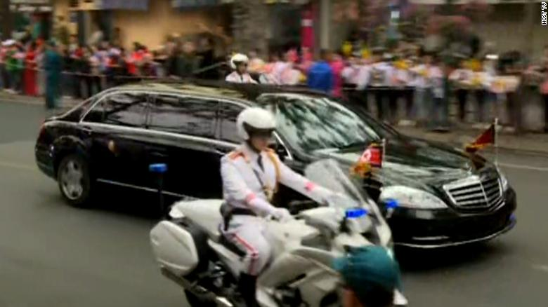 Kim's motorcade heads to the summit location through the streets of Hanoi.