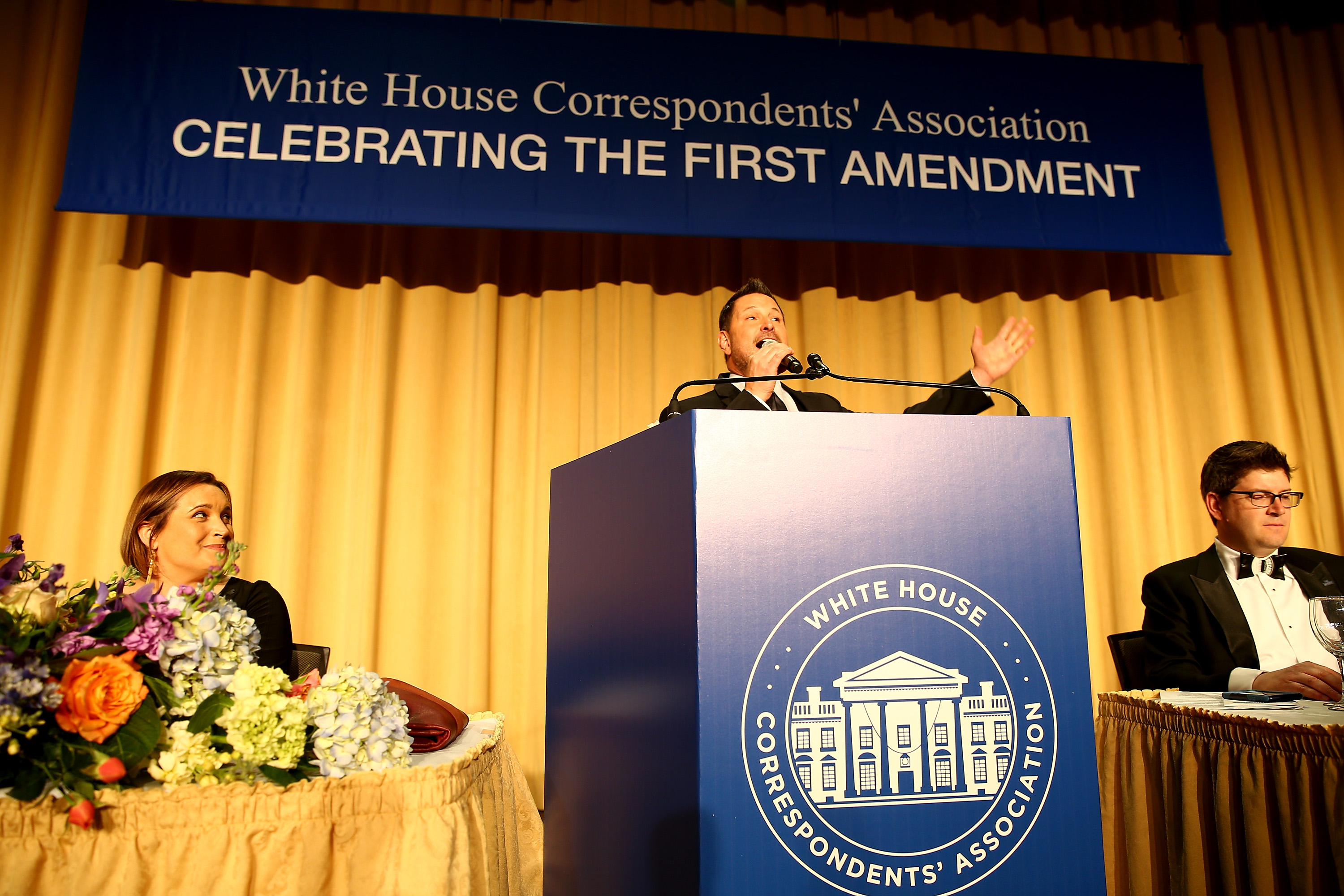 Ty Herndon sings at the 2018 White House Correspondents' dinner