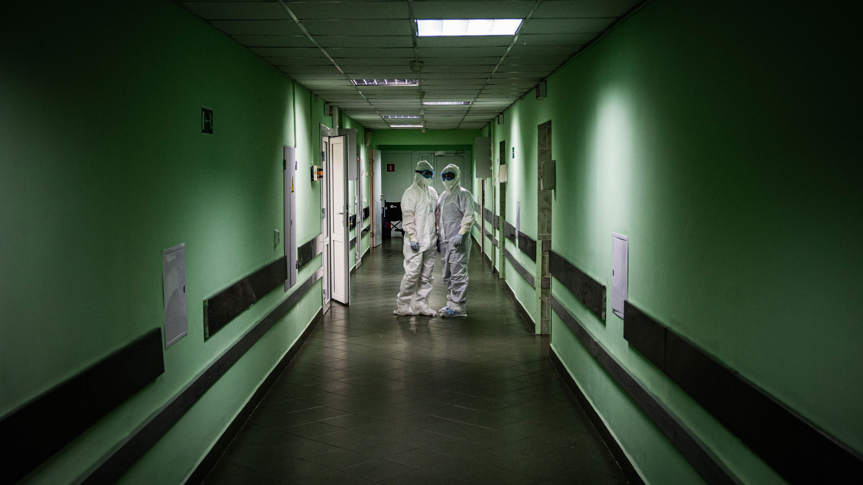 Medical workers at Vinogradov City Clinical Hospital in Moscow, Russia, on May 17.