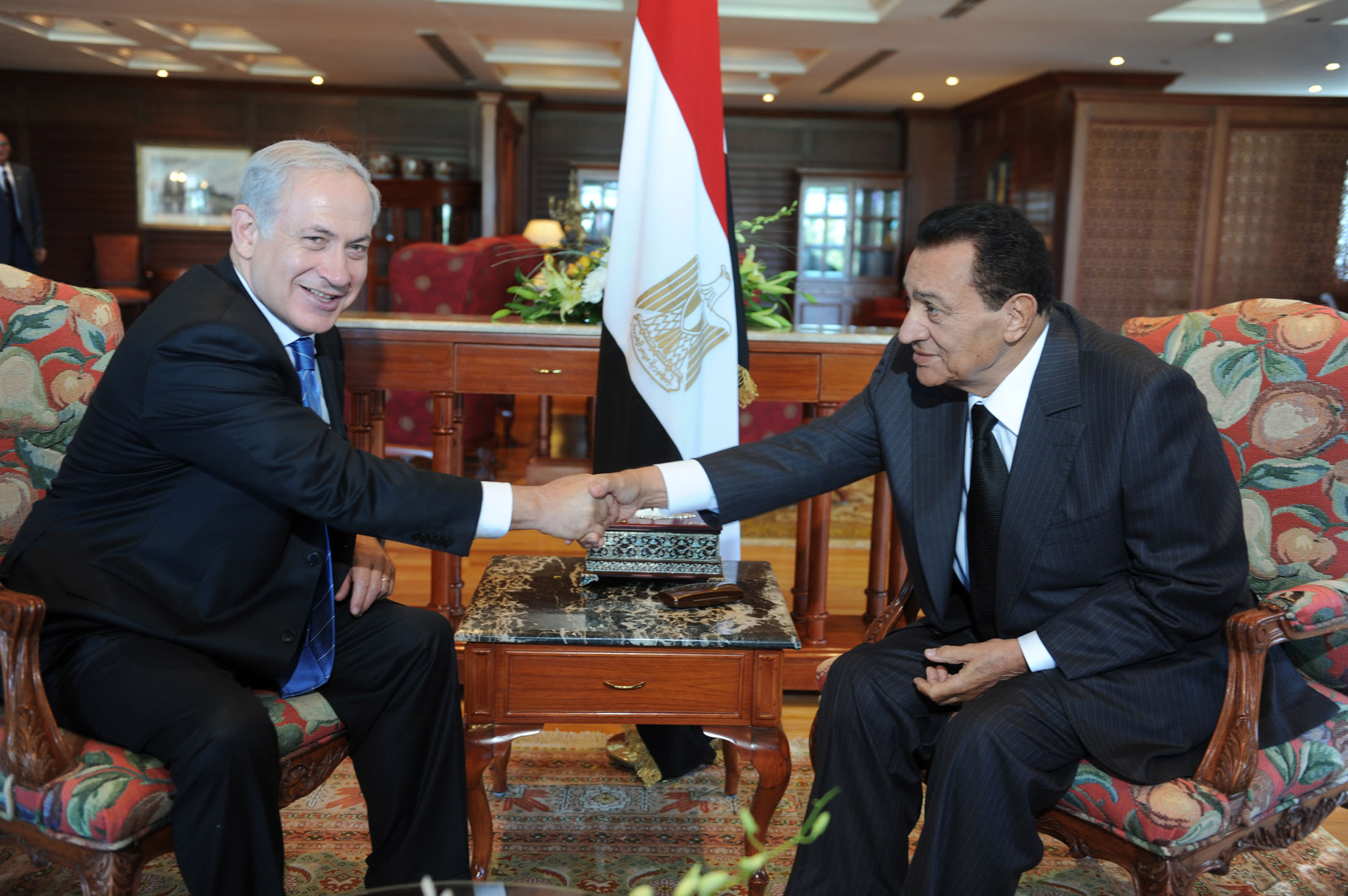 Netanyahu and Mubarak met several times; this image is from a meeting in Egypt in 2010.