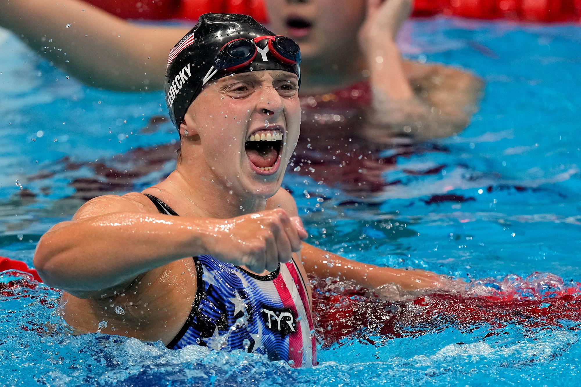 katie-ledecky-wins-women-s-1500m-freestyle-in-dominant-fashion