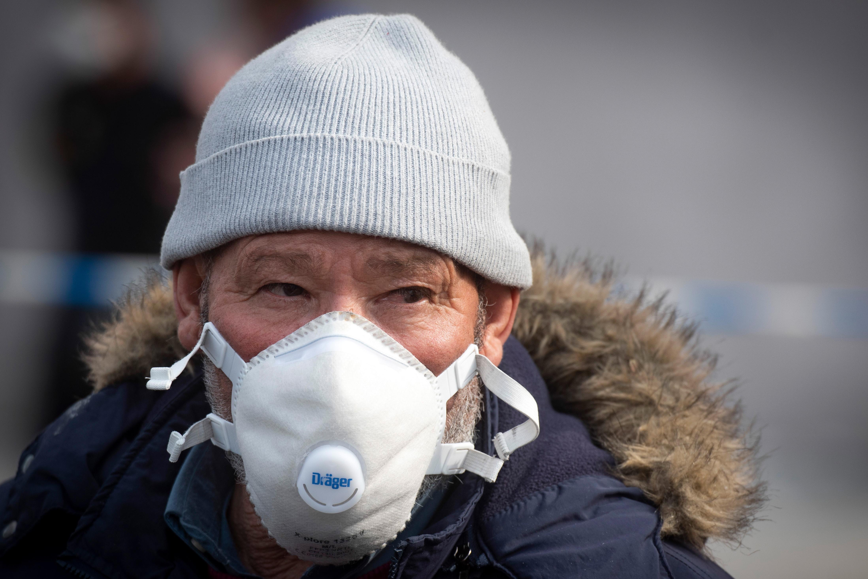 Live updates: Coronavirus deaths pass 6,500 worldwide