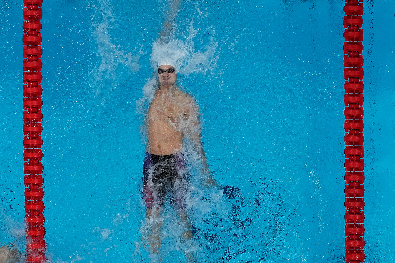 Russian swimmer Evgeny Rylov swims to victory in the 200-meter backstroke final on Friday.