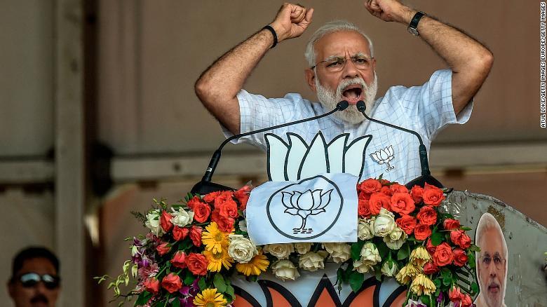 Live Updates: 'Howdy Modi'