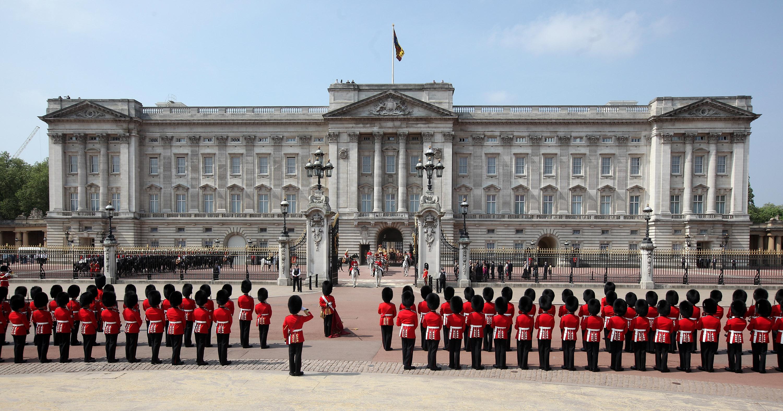 Boris Johnson will meet the Queen at Buckingham Palace.