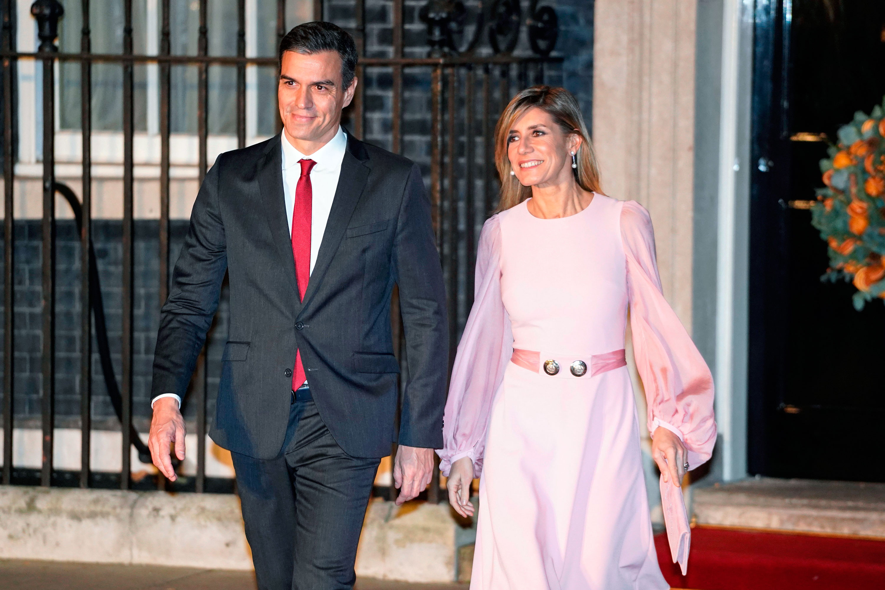 Spanish Prime Minister Pedro Sanchez and his wife Doña Begoña Gómez leave 10 Downing Street in central London in December 2019.