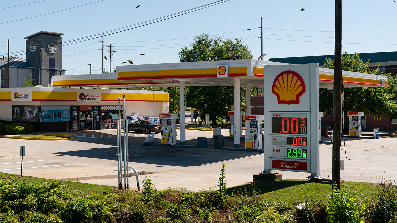 A Royal Dutch Shell gas station displays a price of $0, indicating the station is out of gas, in Marietta, Georgia, on Thursday, May 13.