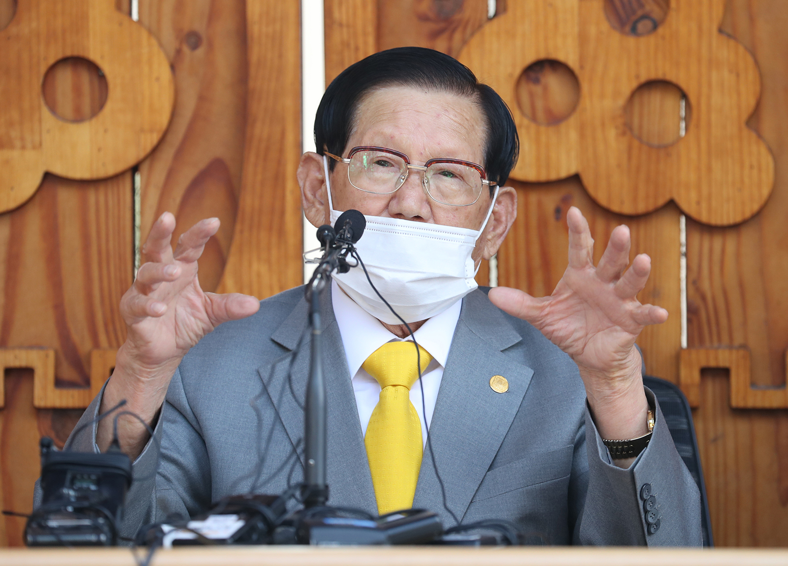 Lee Man-hee, leader of the Shincheonji Church of Jesus, speaks during a press conference at a facility of the church in Gapyeong, South Korea on March 2.